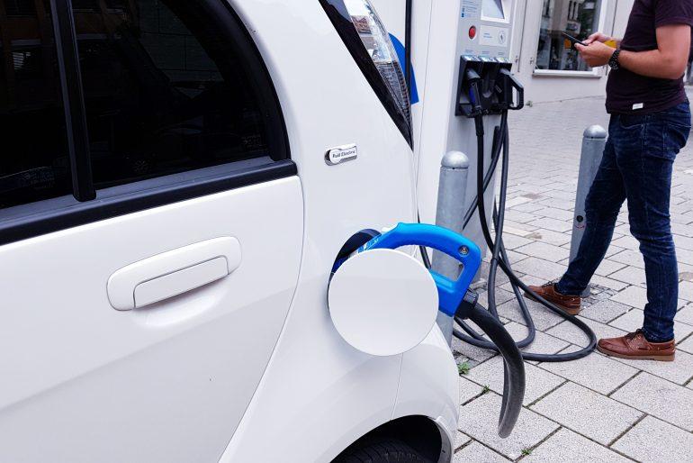Ladestationen für Elektroautos – Wohngebäude [Zuschuss 440 KfW]